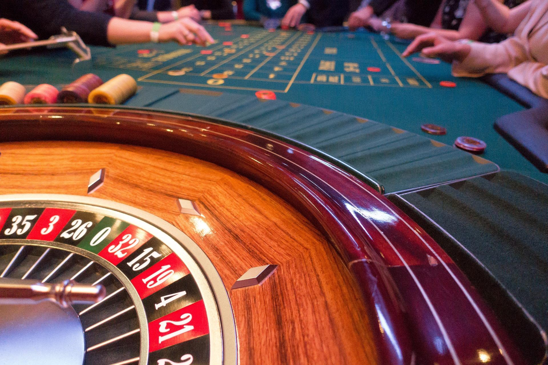 Играть онлайн в казино Золотой Кубок